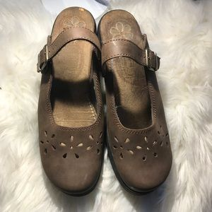 Dr scholls leather mules